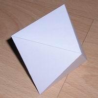 Papercraft imprimible y recortable de un octaedro regular. Manualidades a Raudales.