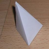 pirámide triangular